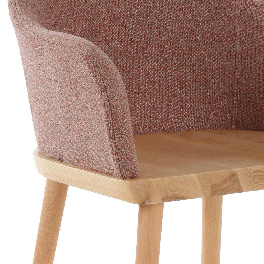 Silla Beksand madera tapizado beige detalle tapiz