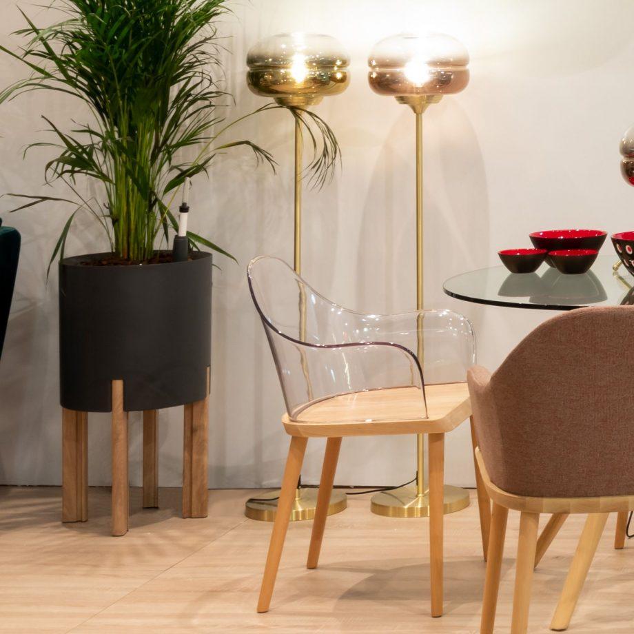 Silla Beksand madera y policarbonato transparente parüm decoración